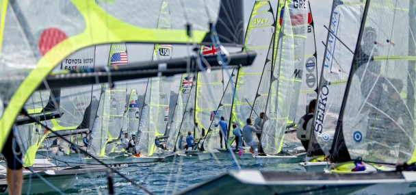start line skiff sailing 49er